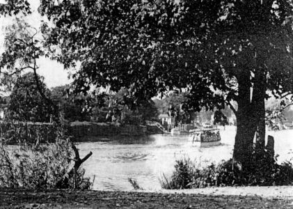 Thames Riverside at Ham 2 1965